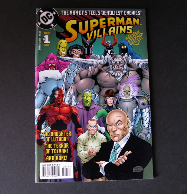 SUPERMAN VILLAINS #1 - CLASSIC COMIC BOOK - DC Comics, 1998 - Informative comic giving descriptions and bios on Superman's deadliest enemies! Near Mint.