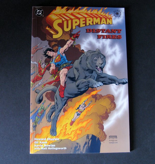 SUPERMAN - DISTANT FIRES - CLASSIC DC GRAPHIC NOVEL - DC Comics, 1998 - Deluxe comic showing one of Superman's most tragic tales. Near Mint.