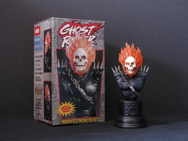 MARVEL - GHOST RIDER - BOWEN MINI-BUST PAINTED STATUE WITH BOX - Bowen Designs, 2001 - Limited edition, number 2,112/6,000. Measures 5