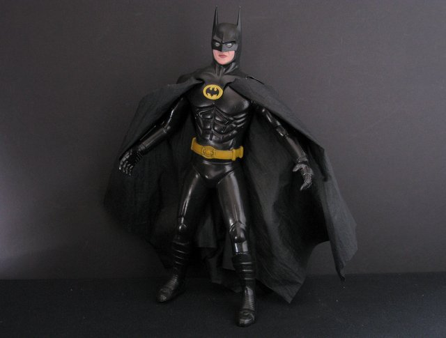 TIM BURTON'S BATMAN - PRO-PAINTED VINYL MODEL FIGURE - Horizon Hobbies, 1989 - This handsomely sculpted 13 1/2