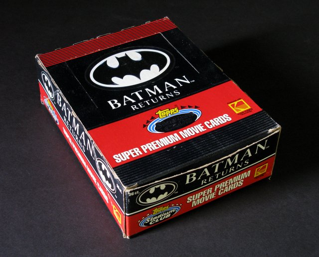 BATMAN RETURNS - PREMIUM MOVIE CARDS IN RETAIL DISPLAY BOX - Topps, 1991 - Complete box of 36 sealed packs each containing 15 super premium movie cards. Excellent display box, all packs sealed.