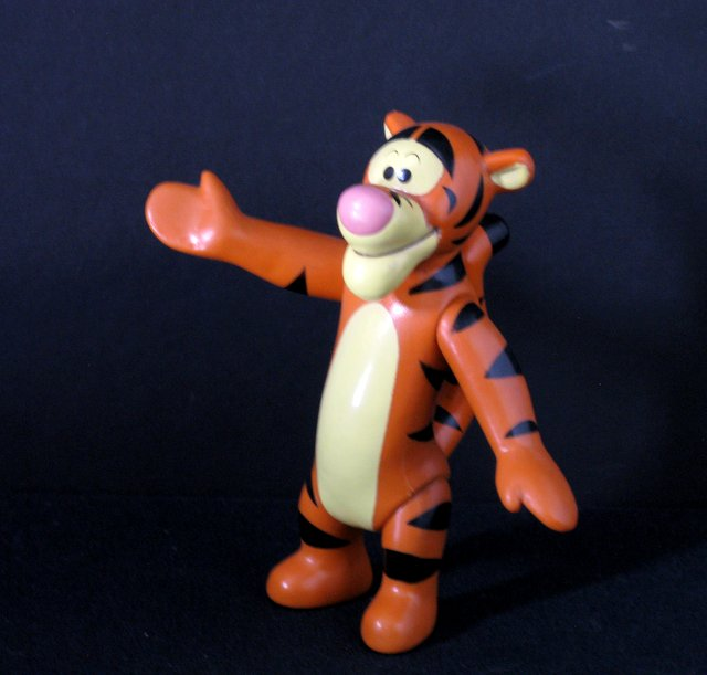 DISNEY'S WINNIE THE POOH - TIGGER THE TIGER VINTAGE PVC FIGURE - Walt Disney Productions, 1978 - Adorable 6