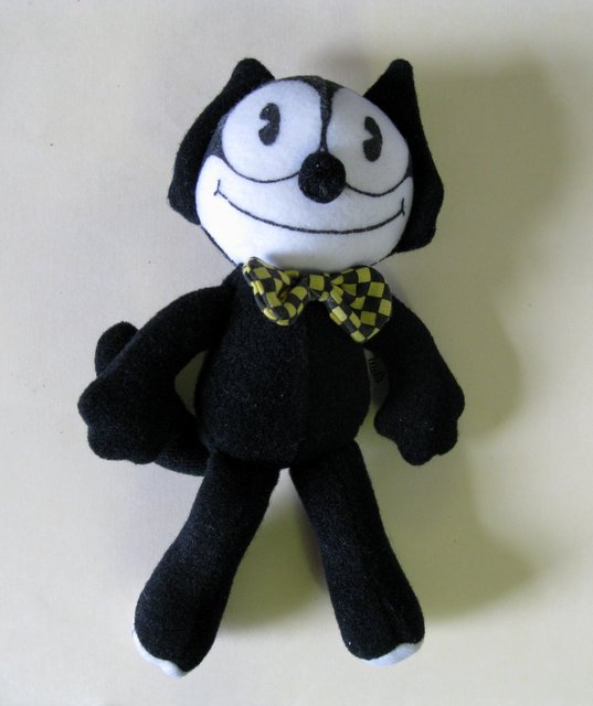 "VINTAGE FELIX THE CAT - SMALL PLUSH DOLL - Applause, 1988 - Fun 6"" doll of the famous cartoon cat with yellow and black checkered bow-tie. Very Good."