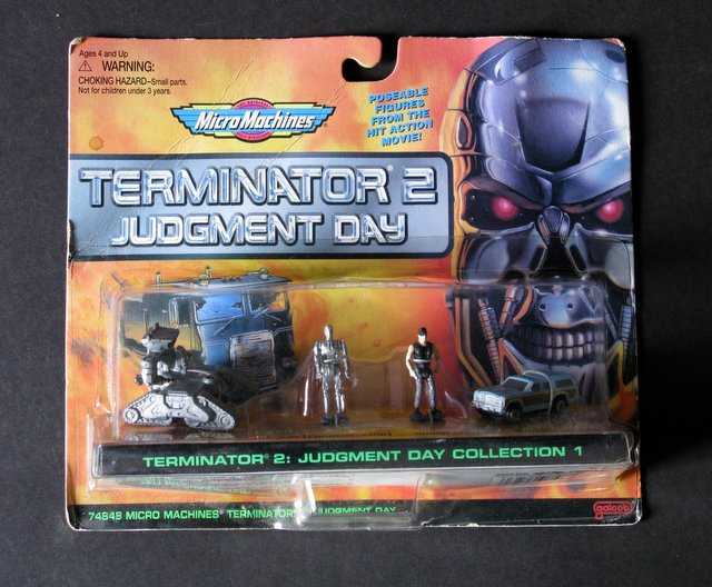 TERMINATOR 2 - MINI POSEABLE FIGURES SET - Micro Machines, 1996 - Set includes Sarah Connor, T-800 endoskeleton, station wagon, and Ground Hunter Killer. Sealed on card.