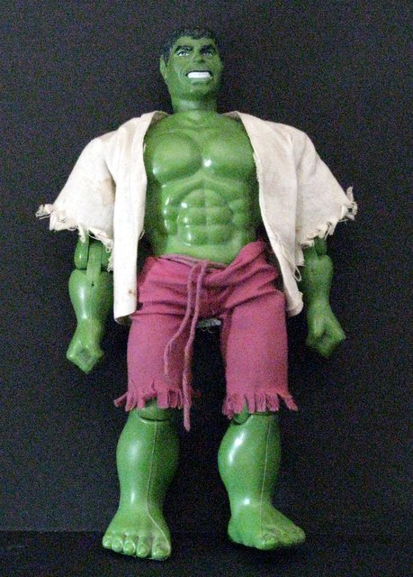 MARVEL - THE HULK - VINTAGE ACTION FIGURE TOY - Mattel Toys, 1978 - Very articulate Hulk action figure with torn shirt and shorts. Excellent.