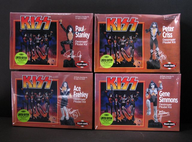 HEROES OF ROCK - KISS - DESTROYER ALBUM COVER MODEL KITS - COMPLETE SET OF FOUR - Polar Lights, 1998 - Four exciting plastic model figure kits of the famous rock band. Once built, bases interlock to create a dynamic Destroyer album cover scene. Mint in sealed boxes.