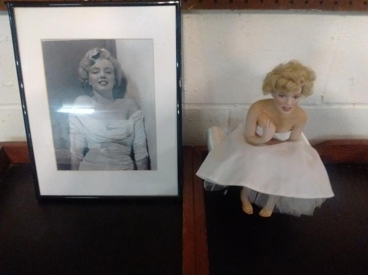 LIMITED EDITION MARILYN MONROE PORCELAIN DOLL & FRAMED PHOTO