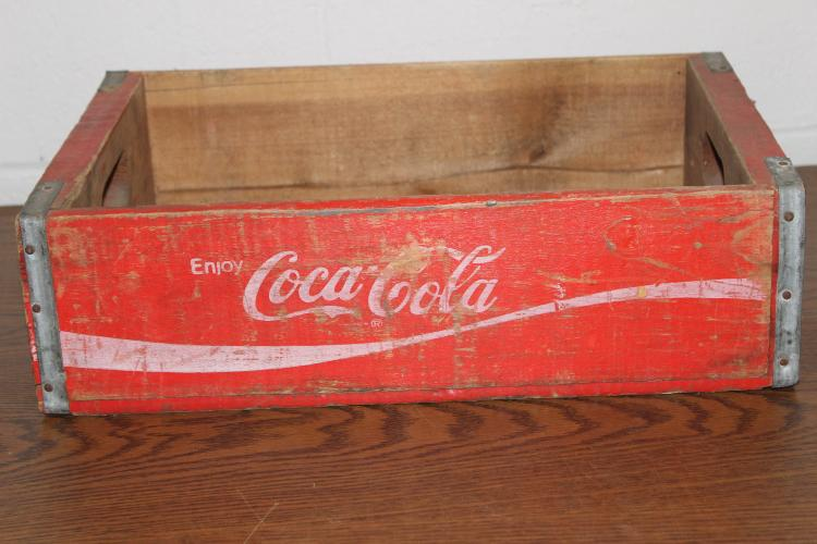NICE COCA-COLA WOODEN CASE IN VERY GOOD CONDITION 18 X 12