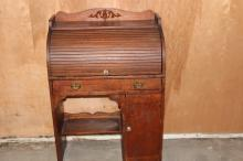 CHILD'S OAK AND ASH ROLL TOP DESK 38 X 26 X 15 VERY GOOD CONDITION