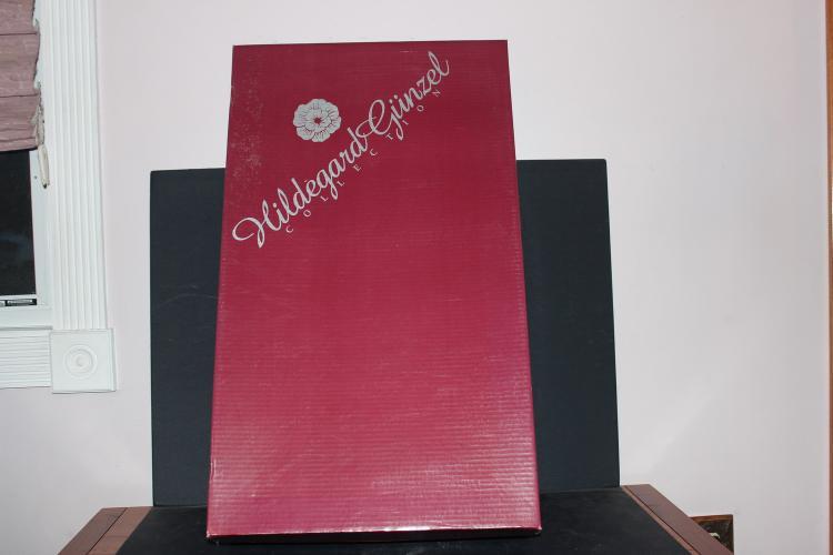 HILDEGARD GUNZEL COLLECTION - NEW IN BOX MONICA - 234 OF 2000 - 25