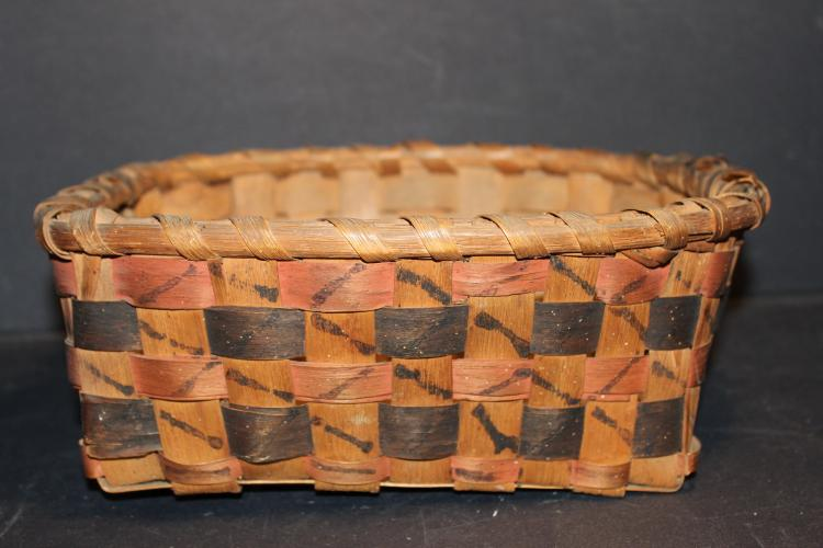 NICE ASH AND OAK SPLINT BASKET WITH DECORATED SIDES- I BELIEVE THIS BASKET IS INDIAN MADE - NEAR MINT 10 X 7.5 X 4
