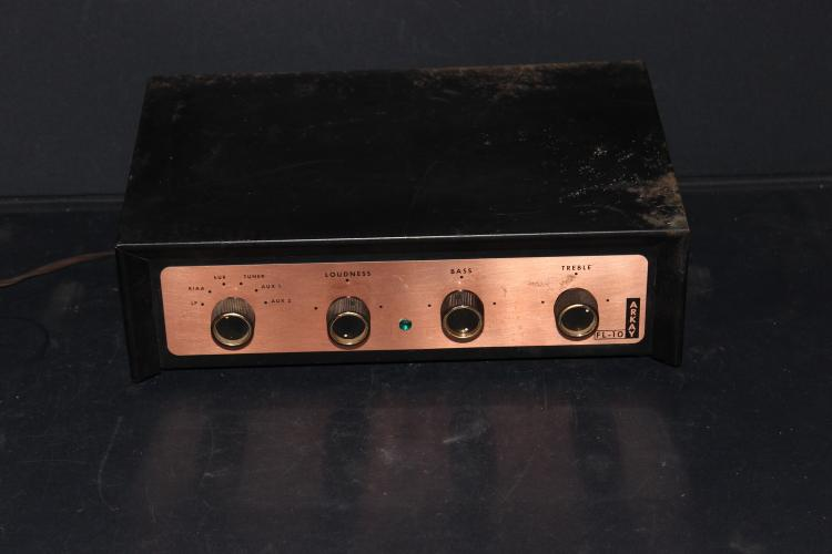SMALL ARKAY FL-10 AMP - LIGHTS UP AND WORKS