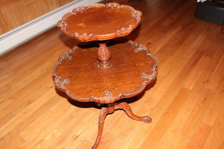 SUPER SOLID MAHOGANY 2 TIER STAND - HEAVILY CARVED PIE CRUST EDGES AND TRIPOD BASE - GOOD CONDITION