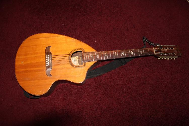HARD TO FIND GIANNINI GUITAR 6 STRING - SOME MINOR CRACKING AS PICTURED - PLAYS WELL - MODEL #CRA12S - SERIAL # 4584 6/70