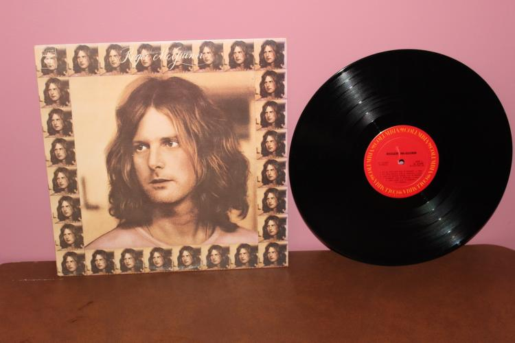 ROGER MCGUINN ORIG. 1973 - COLUMBIA RECORDS - NEAR MINT - LYRICS INCLUDED
