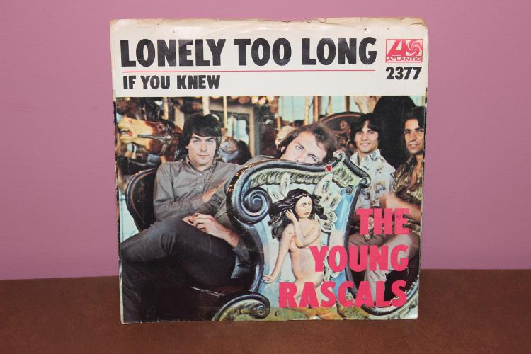 THE YOUNG RASCALS ATLANTIC RECORDS # 2377 45 R.P.M. RECORD MINT – HOLE PUNCHED IN LABEL NICE JACKET