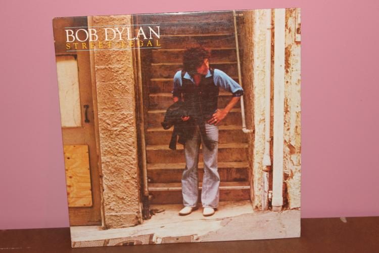 BOB DYLAN  STREET LEGAL 1981 COLUMBIA 35453 MINT COND.