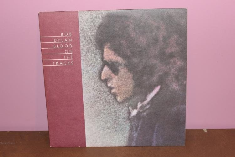 DYLAN – BLOOD ON THE TRACKS 1974 – COLUMBIA BL33235 – NEAR MINT