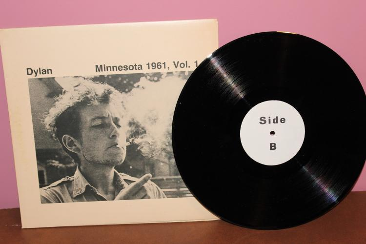 RARE DYLAN MINNESOTA 1961 VOL. 1 ONLY 100 # ED- ALBUMS- THIS IS # 649-1980 1ST EDITION – PENGUIN RECORDS – NEAR MINT