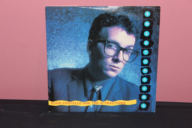 ELVIS COSTELLO AND THE ATTRACTIONS 45 – SWEET DREAMS AND PSYCHO NEAR MINT