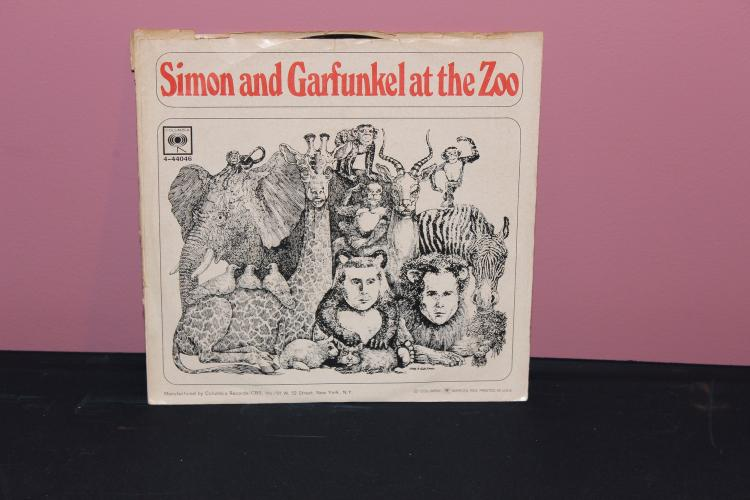 SIMON AND GARFUKEL – AT THE ZOO 45 COLUMBIA 4-44046 RECORD – COVER SPLIT SIDE  NEAR MINT