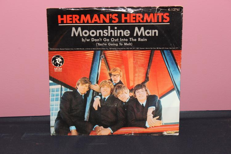 HERMAN'S HERMITS MOON SHINE MAN MGM RECORDS K 13761 NEAR MINT