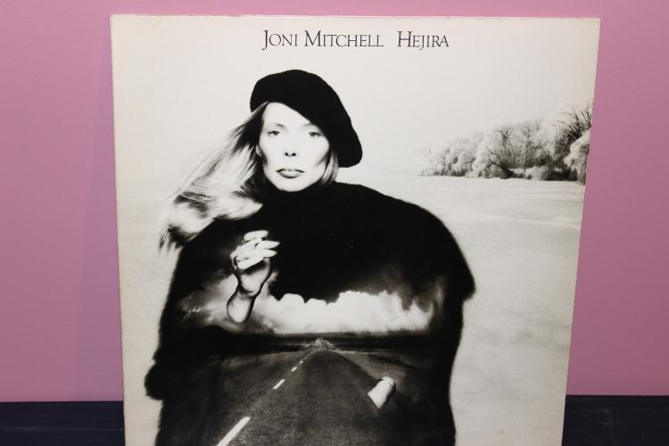 JONI MITCHELL HEJERA – 1976 ASYLUM RECORDS 7E1087 NEAR MINT