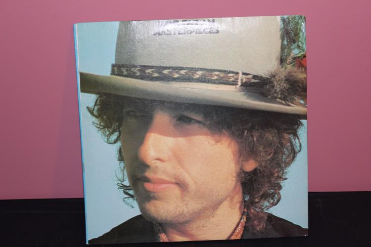 VERY RARE DYLAN MASTER PIECES 3 L.P. RECORD SET WITH TRPLE GATEFOLD 1978 SUPER COND.