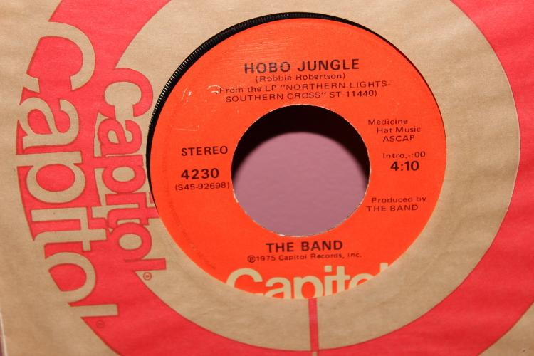 THE BAND – HOBO JUNGLE 1975 4230 CAPITAL RECORDS