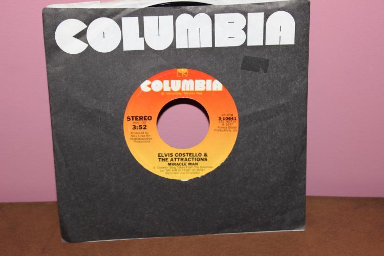 ELVIS COSTELLO 1977 COLUMBIA 1977 COLUMBIA 310641 LIKE NEW
