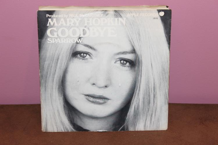 MARY HOPKIN – SPARROW APPLE RECORDS 1806 RECORDED IN ENGLAN NEAR MINT