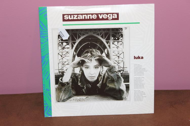 SUZANNE VEGA – LUKA – 1986 MADE IN ENGLAND A&M RECORDS LIKE NEW