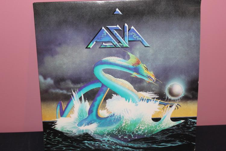 ASIA 1982 GEFFEN RECORDS - LIKE NEW - HEAT OF THE MOMENT