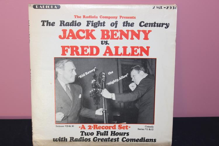 JACK BENNY FRED ALLEN RADIO RADIO FEUD - 2 RECORD SET GATEFOLD ALBUM 1974 LP - LIKE NEW ALBUM CASE WITH BLEMISHES