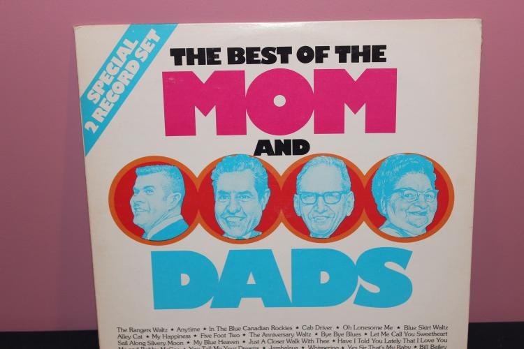 BEST OF MOM AND DADS 1976 G.R.T. TAILORD MUSIC - LIKE NEW 2 L.P. SET