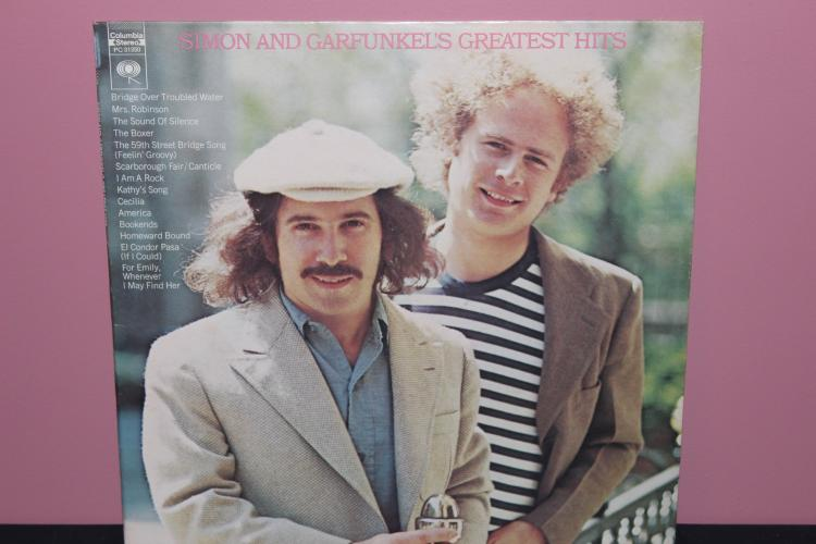 GREATEST HITS - SIMON & GARFUNKEL COLUMBIA PC31350 1972 - LIKE NEW