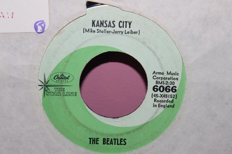 BEATLES CAPITAL 6066 AROM MUSIC CORP. RECORDED IN ENGLAND NEAR MINT