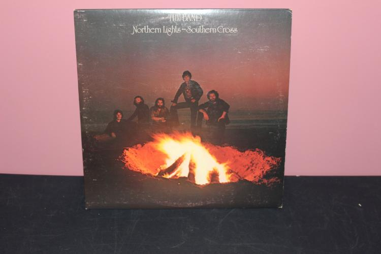 THE BAND NORTHERN LIGHTS SOUTHERN CROSS 1975 CAPITAL RECORDS 11440 NEAR MINT