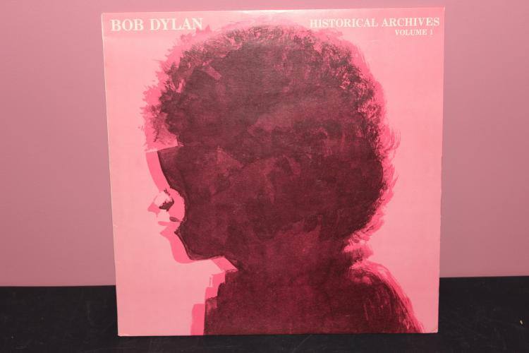 2 ALBUM LOT DYLAN HISTORICAL ACHIVES VOL. 1& 2 MADE IN ITALY BY GO INTERNATIONAL LIKE NEW 1962
