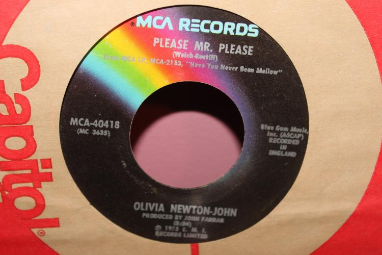 PLEASE MR. PLEASE OLIVIA NEWTON JOHN 45RPM MCA RECORDS 40418 1975 GOOD COND.