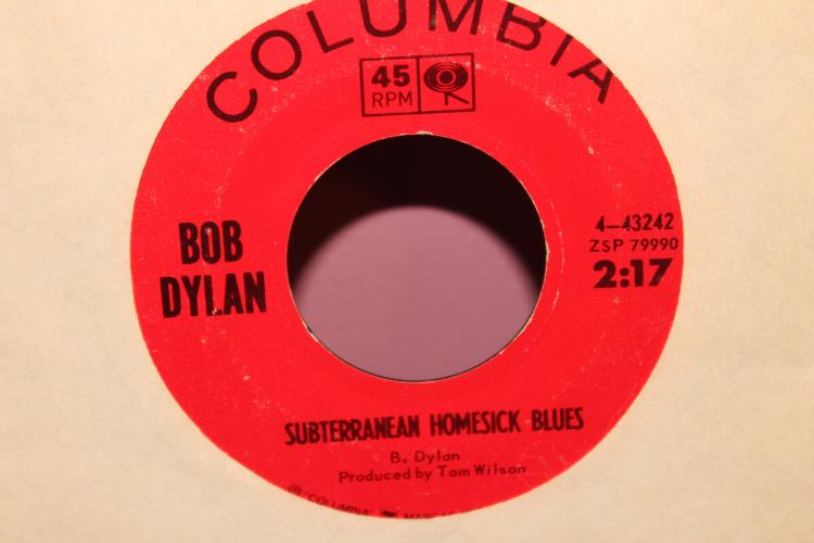DYLAN – SHE BELONGS TO ME COLUMBIA 443242 VERY GOOD CONDITION
