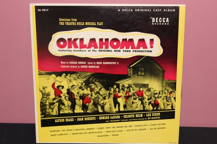 OKLAHOMA ORIGIONAL CAST ALBUM DECCA RECORDS DL 9017 LIKE NEW