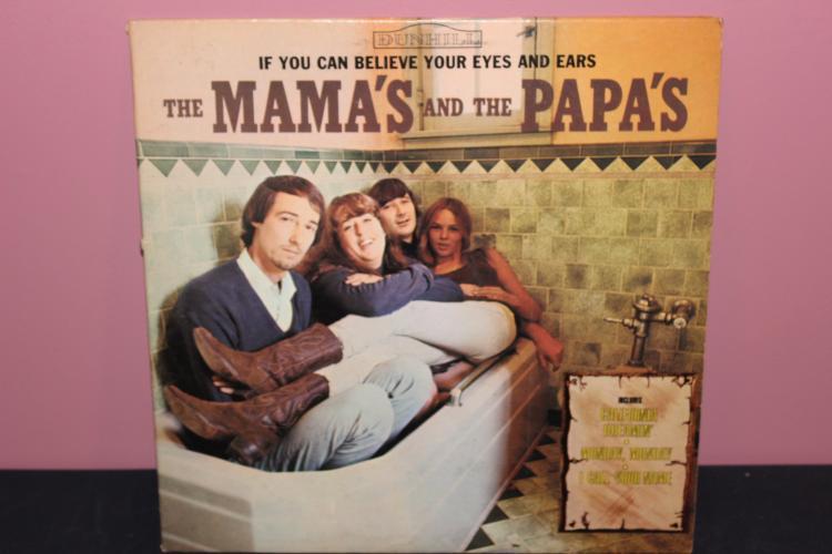 MAMA'S AND PAPA'S DUNHILL RECORDS 50006 GOOD COND.