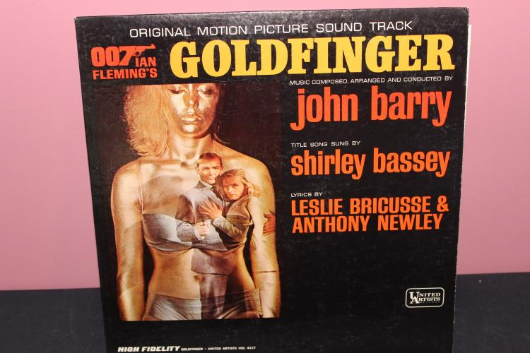 SOUNDTRACK OF GOLD FINGER 007 UNITED ARTISTS UAL 4117 VERY GOOD CONDITION