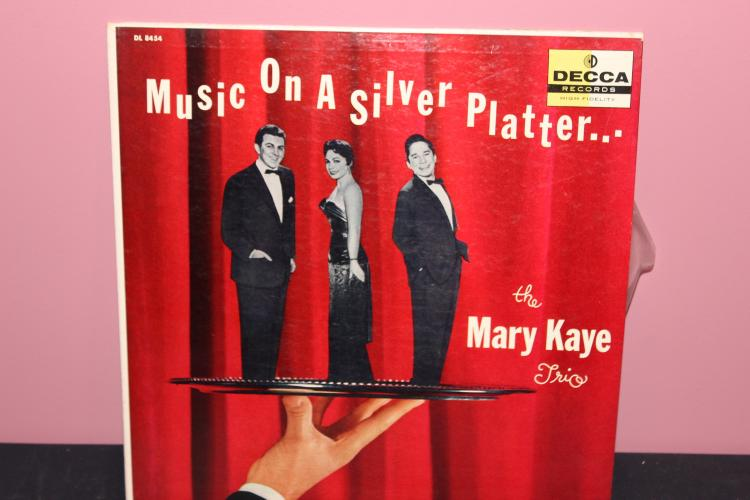 THE MARY KAYE TRIO DECCA DL 8454 LIKE NEW