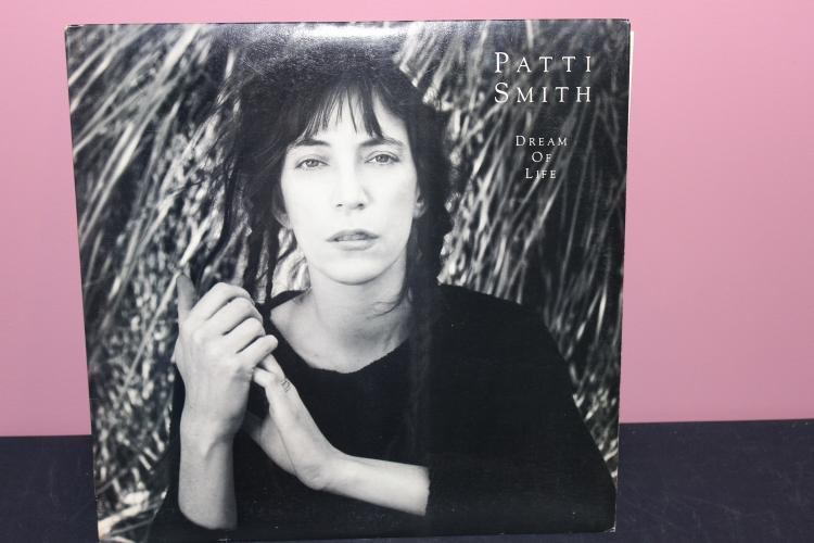 PATTI SMITH DREAM OF LIFE 1988 ARTISTA RECORDS
