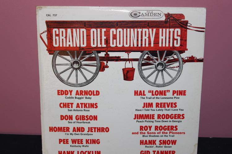 GRAND OLE COUNTRY HITS -ALL BY ORIG ARTISTS - LIKE NEW - RCA CAMDEN - CAL 737