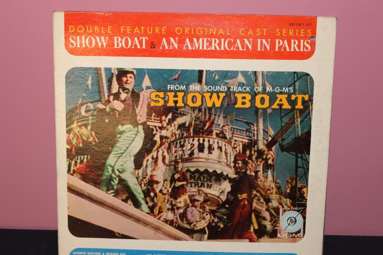 DOUBLE FEATURE - SHOW BOAT - AMERICAN IN PARIS MOVIE SOUNDTRACKS - GATEFOLD L.P. IN EXC. COND. MGME3767