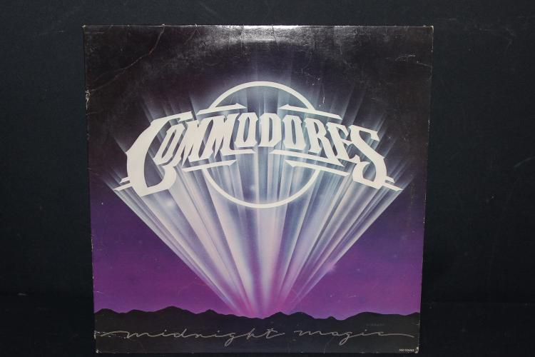 THE COMMODORES -1979 MOTOWN RECORDS - LIKE NEW