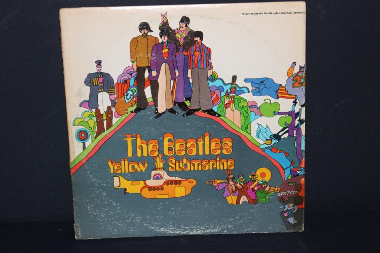 BEATLES YELLOW SUBMARINE APPLE RECORDS LIKE NEW